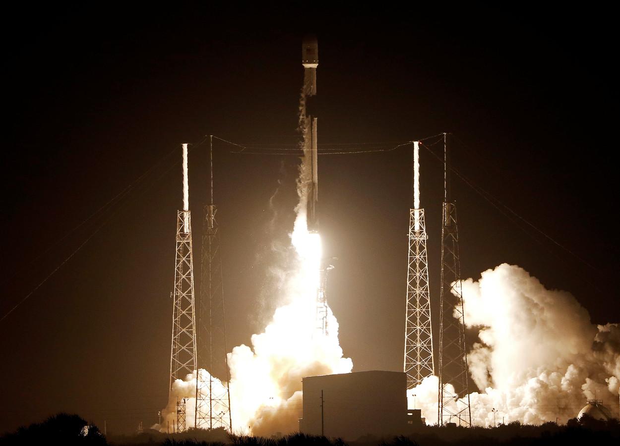 Een SpaceX Falcon 9 raket met daarin de Israëlische maanverkenner Beresheet wordt succesvol gelanceerd vanaf Cape Canaveral in Florida.