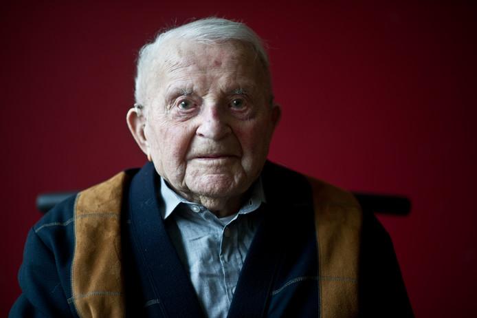 Willem van Schaik was met 105 jaar de oudste man van Overbetuwe.