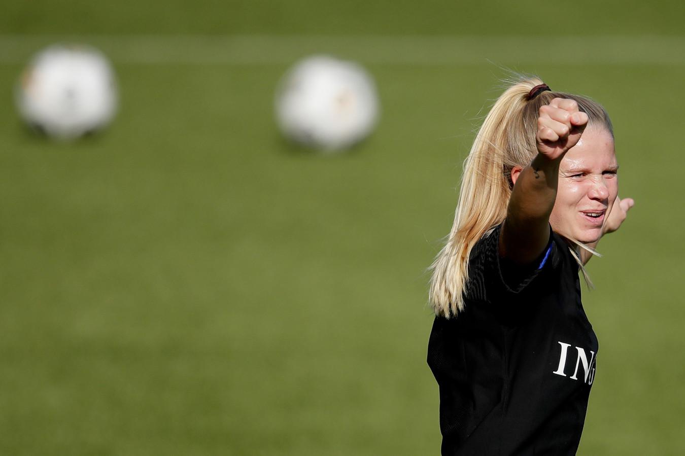 Kika van Es is blij dat ze terug is in Nederland én terug bij FC Twente.