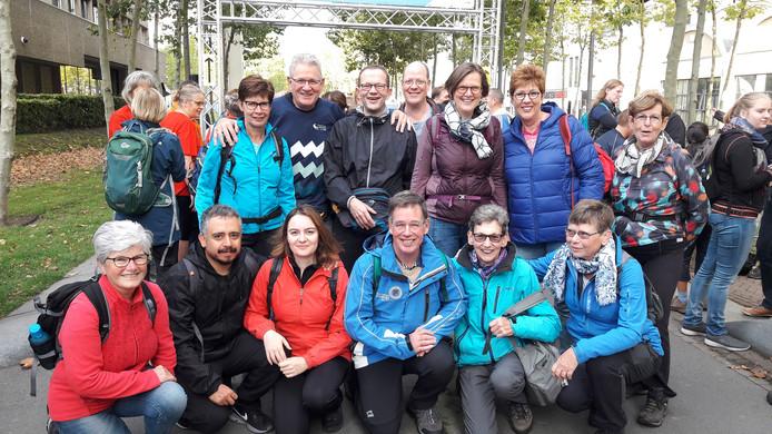 De wandelaarsgroep van Eindhoven Atletiek die meedoet aan de 20 kilomter-tocht van Marathon Eindhoven.