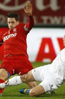 Kuiper steunt FC Twente, de krukken van Hardeveld