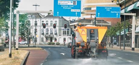 Arnhem gaat zout strooien tegen smeltend asfalt op hoofdwegen