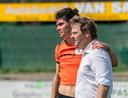 Rob Bouman (rechts) als trainer van De Bataven. Archiefbeeld