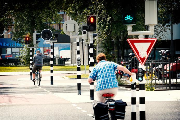 Verwarrende stoplichten bij de kruising Benluxlaan.