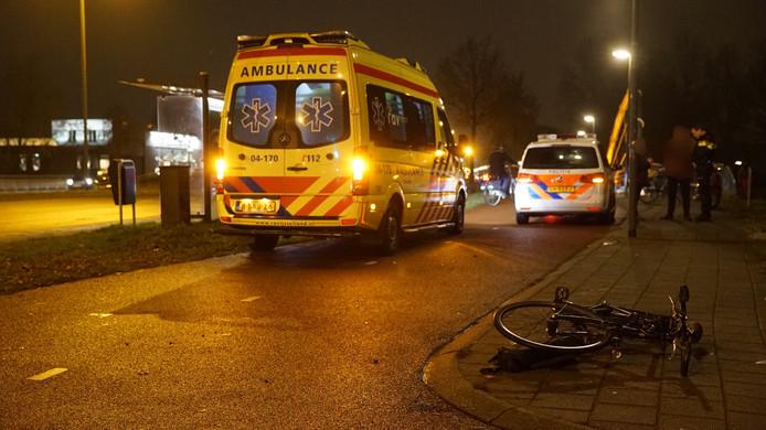 De fiets ligt nog op de straat na het ongeluk.