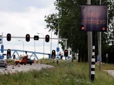 Bruggen Sluiskil en Sas van Gent worden aangepakt, groot onderhoud laat nog jaren op zich wachten