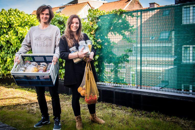 Seppe Smits en zijn vriendin Kaat proberen zo weinig mogelijk afval te produceren en vullen slechts een vuilniszak per jaar.