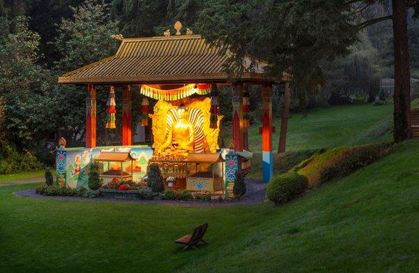 Dit boeddhacentrum bedelt na 35 jaar zingeving om voortbestaan