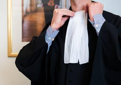 advocaat-in-verlegenheid-door-cokebroer