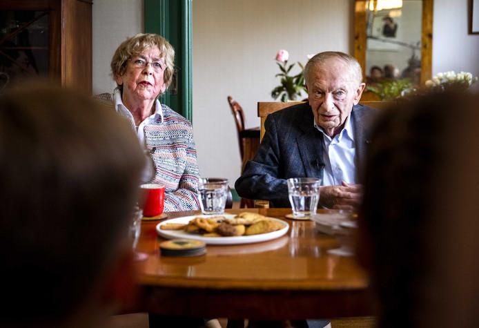Jacqueline van Maarsen (90) en Albert Gomes de Mesquita (89).