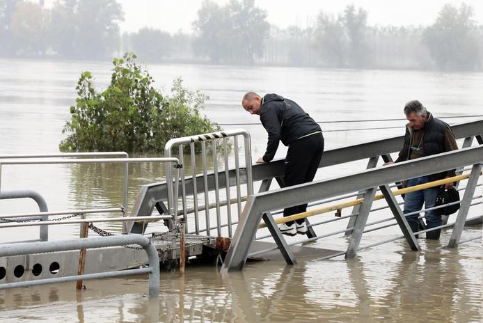 Overstromingen in de haven van Boretto.