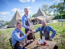 Tijdelijk restaurant in Rectum schenkt de nieuwste wijnen van Twentse bodem