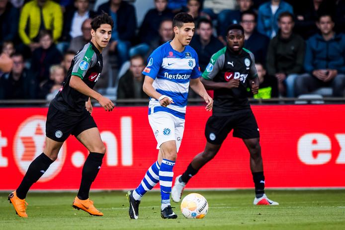 De Graafschap-aanvaller Mohamed Hamdaoui in actie tijdens het competitieduel met FC Groningen.