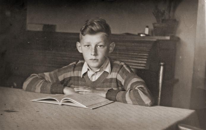 Jan van der Glas ontsnapte als 13-jarige aan een Duitse vergeldingsmaatregel, waarbij twintig mannen werden doodgeschoten.
