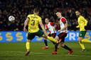 Bozenik zet Feyenoord op 2-1.