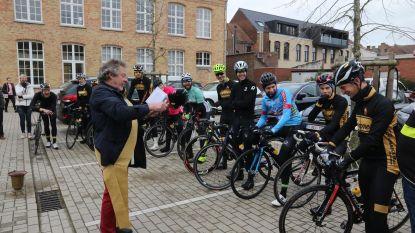 Vrienden maken fietstocht langs frontlijn