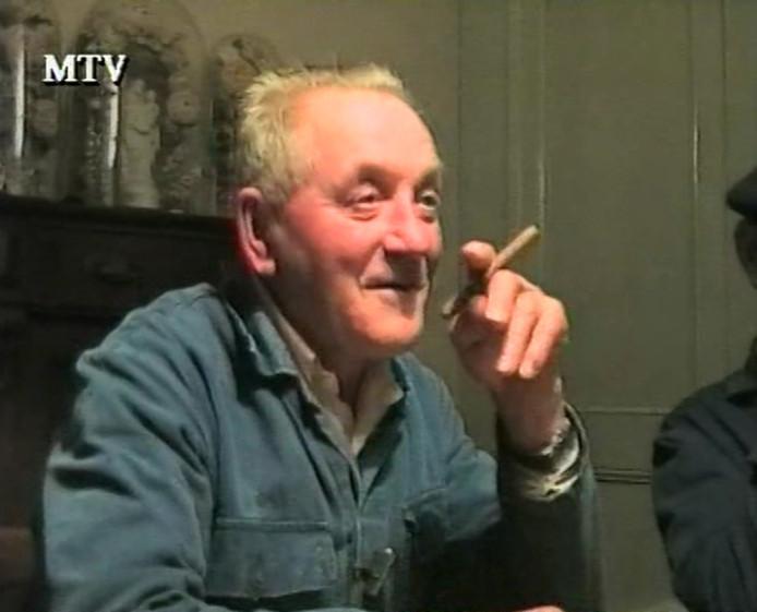 Janus Hofhuizen vertelt voor MTV over Moergestel in oorlogstijd (1994)