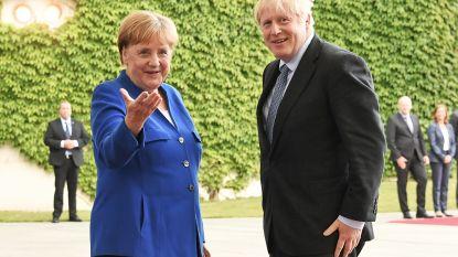 Merkel luistert naar Johnson, puur voor de vorm