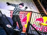 Deze snowboardtoppers zetten Haagse Grote Markt op z'n kop