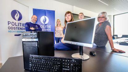 """Politie schenkt 100 computers aan kansarme gezinnen: """"De digitale kloof werd nog veel duidelijker tijdens de coronacrisis"""""""