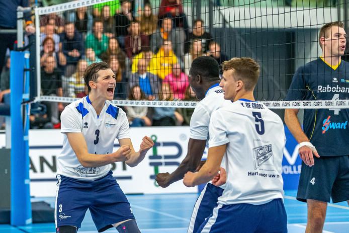 Marius den Hartog bejubelt maar weer eens een punt namens de mannen van Sliedrecht Sport.
