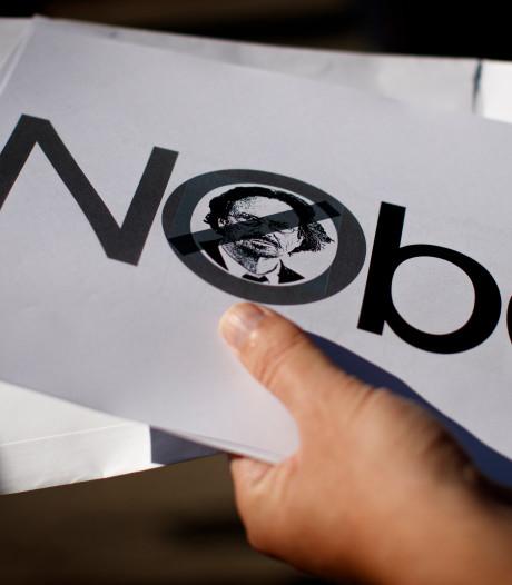 """Le lauréat du prix Nobel de littérature provoque la colère de la Bosnie: """"Soutien du génocide"""""""