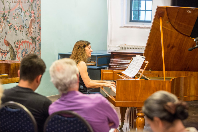 Marina Rodriguez-Brià trad afgelopen zomer tijdens het Fortepiano Festival op in het Muziekmuseum in Zutphen. Het was één van de laatste optredens op de eeuwenoude piano's in Huis de Wildeman.