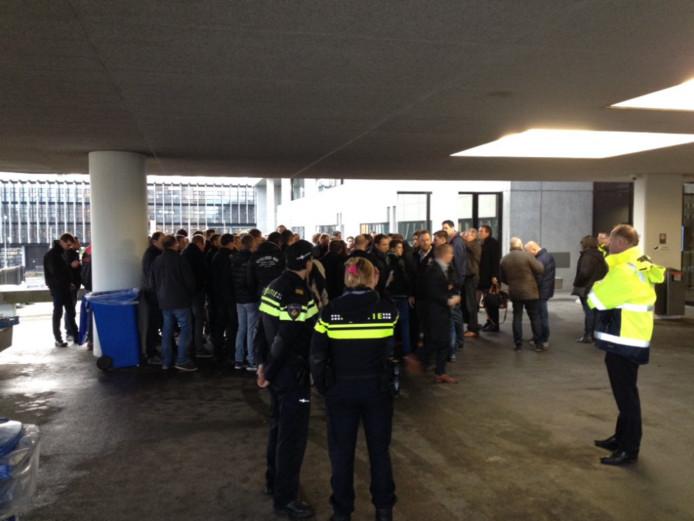 De politie is uit voorzorg ook aanwezig bij het protest van de jonge boeren.