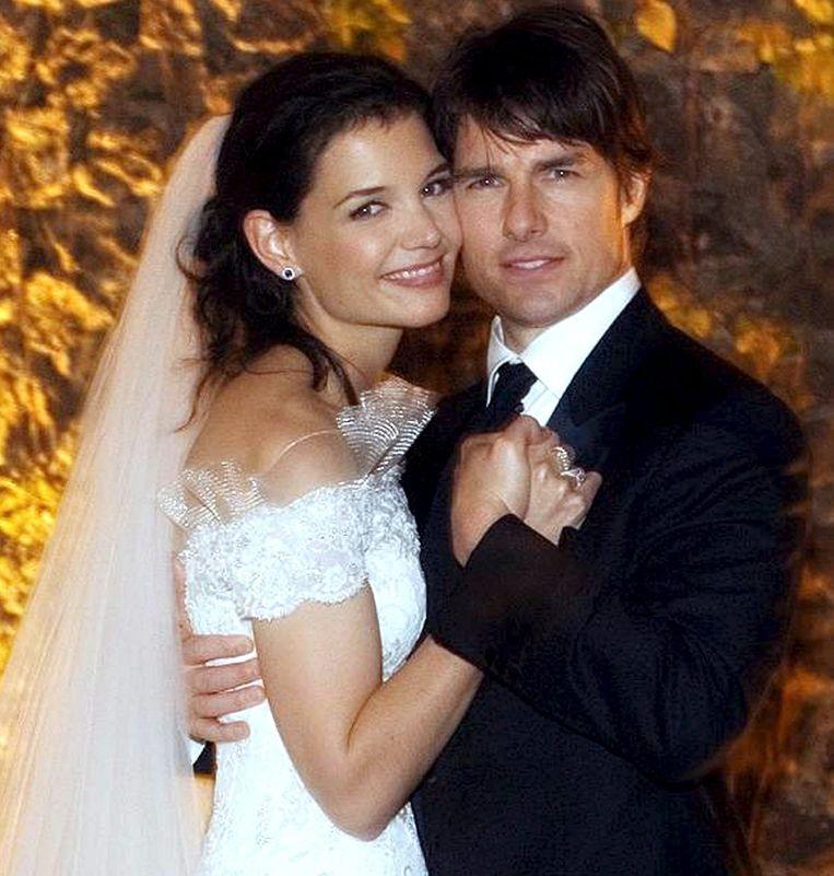Katie Holmes en Tom Cruise tijdens hun huwelijksdag in kasteel Bracciano, net buiten Rome.