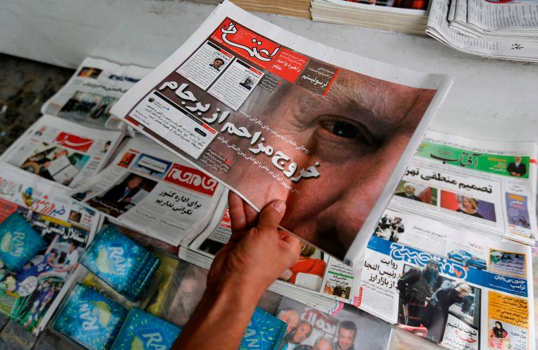 Voorpagina van een krant in Teheran op 9 mei 2018. Beeld AFP