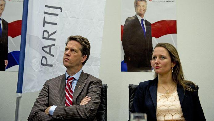 Fleur Agema naast Martin Bosma tijdens de presentatie van het PVV-verkiezingsprogramma