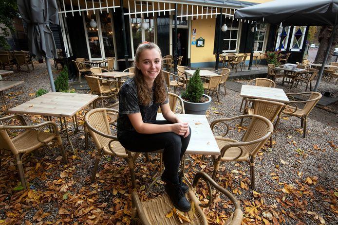 Britt van der Vegt. Ze maakt samen met haar nicht Laura een bijzonder kookboek.
