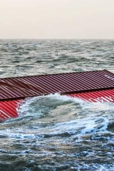 Marineschip helpt met sonar bij opsporen containers bij Wadden