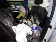 Busje én bestuurder onder de verf na ongeluk op A67