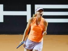 Sjarapova maakt indruk bij comeback in Stuttgart