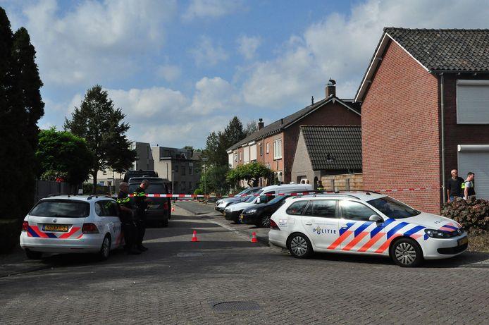 Pillendraaierij aan Van Berckenrodelaan in Waalwijk.