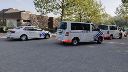 Politie Gent rukt massaal uit voor grote vechtpartij tussen jongeren in Blaarmeersen