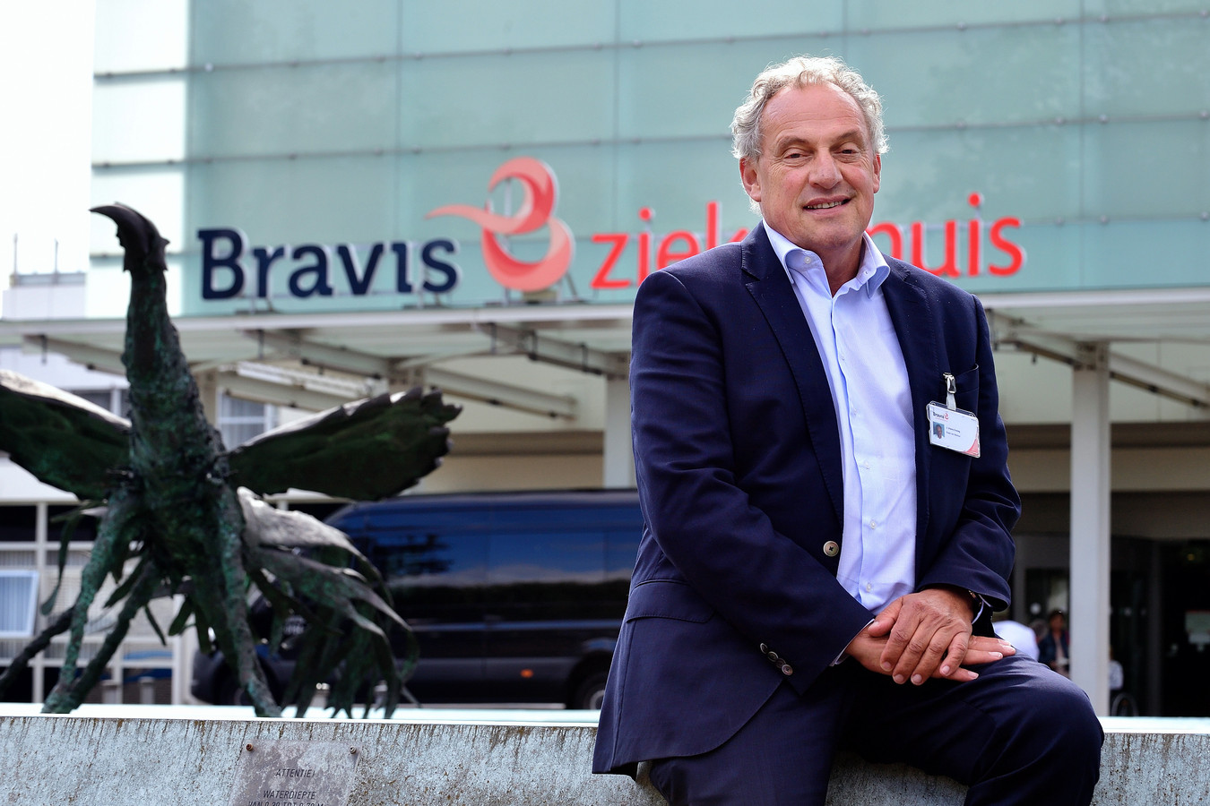 """Na dertig jaar neemt Hans Ensing (65) afscheid van de West-Brabantse ziekenhuiswereld. ,,De corona-crisis is in alles zo immens anders."""""""