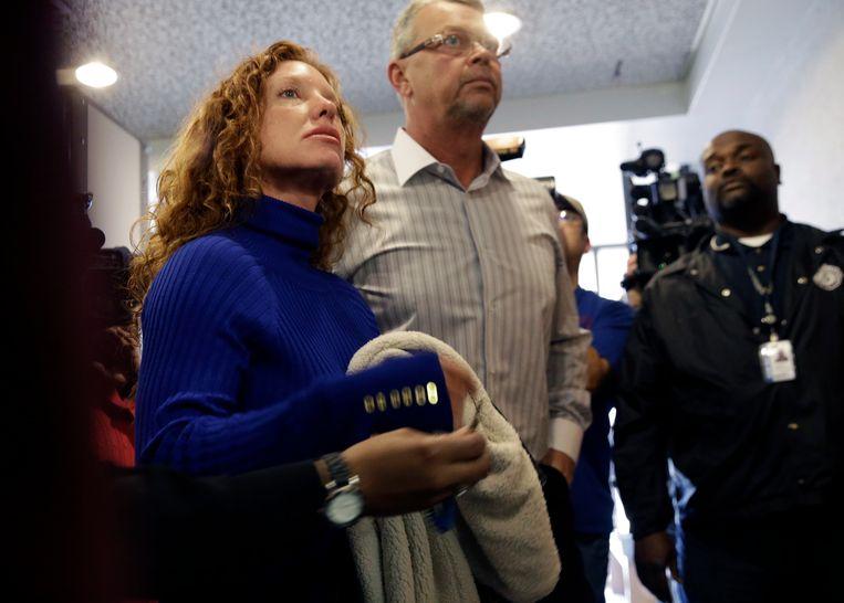 Tonya  en Fred Couch, de ouders van Ethan Couch aan de rechtszaal in 2014.