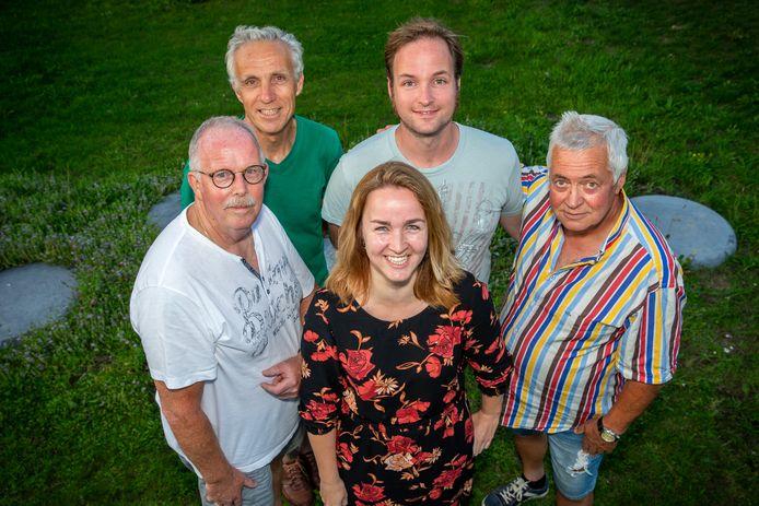 De organisatoren van de eerste dorpsquiz in Beuningen.