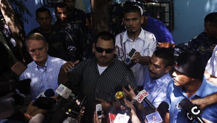Persconferentie van een woordvoerder van de straatbende Mara Salvatrucha. Beeld reuters