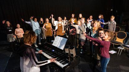Mamma mia! Kinderkoor voor opera La Bohème trekt grote ogen op eerste bijeenkomst:  't is in het Italiaans te doen
