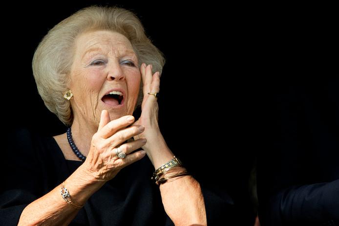Prinses Beatrix der Nederlanden is op zaterdag 14 september in 't Harde bij de campagnedag van de Zwaluwen Jeugd Actie.