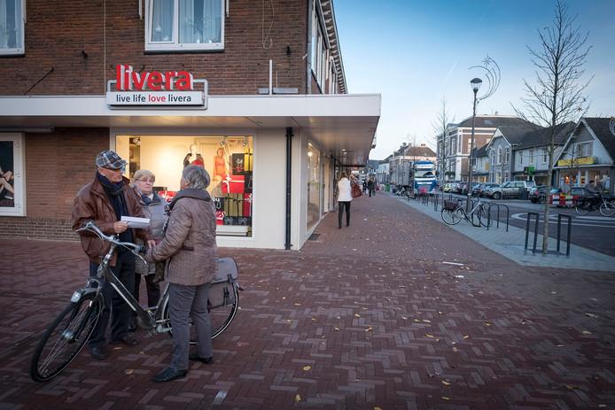 De Dorpsstraat in Elst.