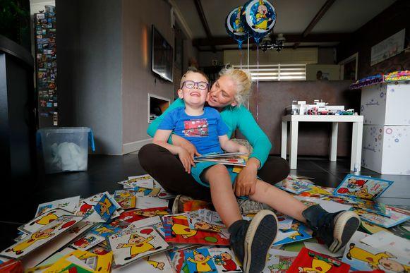 Thor en zijn mama Nancy zijn bijzonder dankbaar voor alle kaartjes.