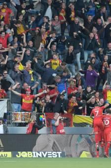Bliek geniet van warme ontvangst door fans in Vetkampstraat
