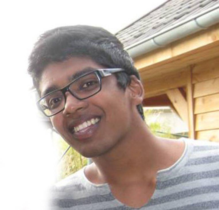 Ravi Ishwardat is student geschiedenis en lid van jongerenorganisatie happyChaos Beeld .