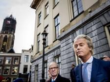 Geert Wilders voor het oude stadhuis in Utrecht