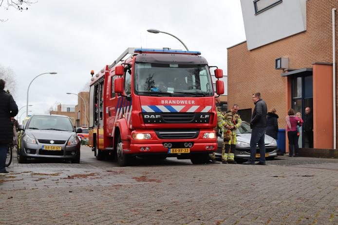 De brandweer in de Poortwachterstraat in Zwolle.