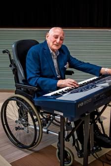 Oudste orkestlid Frits Bak viert 91ste verjaardag 'Muziek is mijn lust en mijn leven'